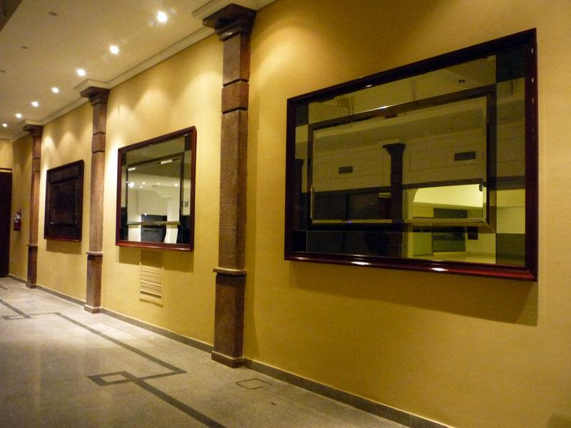 Salones leprett instalaciones for Salon los espejos